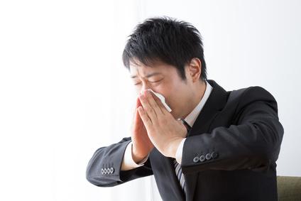 鼻の奥が痛い・頬骨(頬の奥)が痛い原因は急性鼻炎かもしれません。